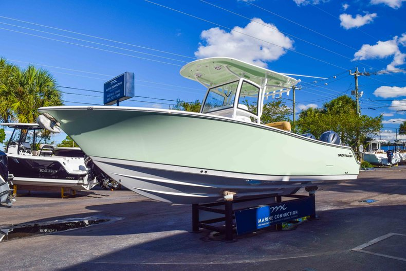 Thumbnail 4 for New 2019 Sportsman Open 252 Center Console boat for sale in Fort Lauderdale, FL