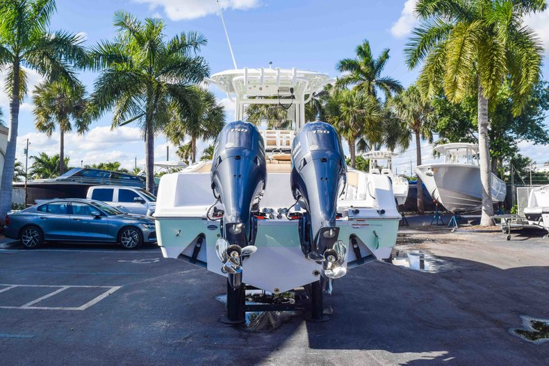 Thumbnail 8 for New 2019 Sportsman Open 252 Center Console boat for sale in Fort Lauderdale, FL