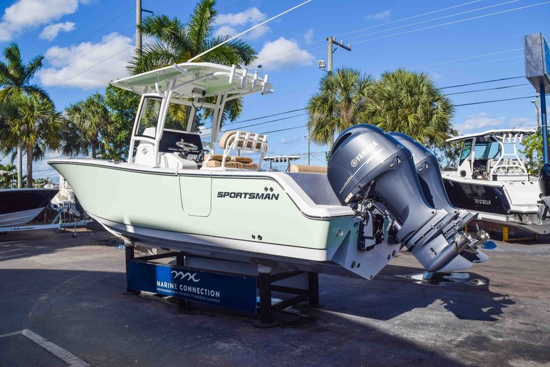 Thumbnail 6 for New 2019 Sportsman Open 252 Center Console boat for sale in Fort Lauderdale, FL