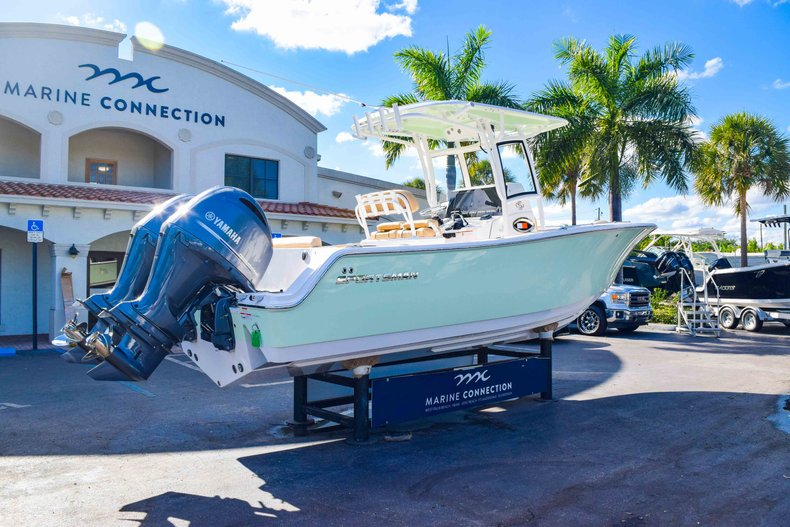 Thumbnail 9 for New 2019 Sportsman Open 252 Center Console boat for sale in Fort Lauderdale, FL