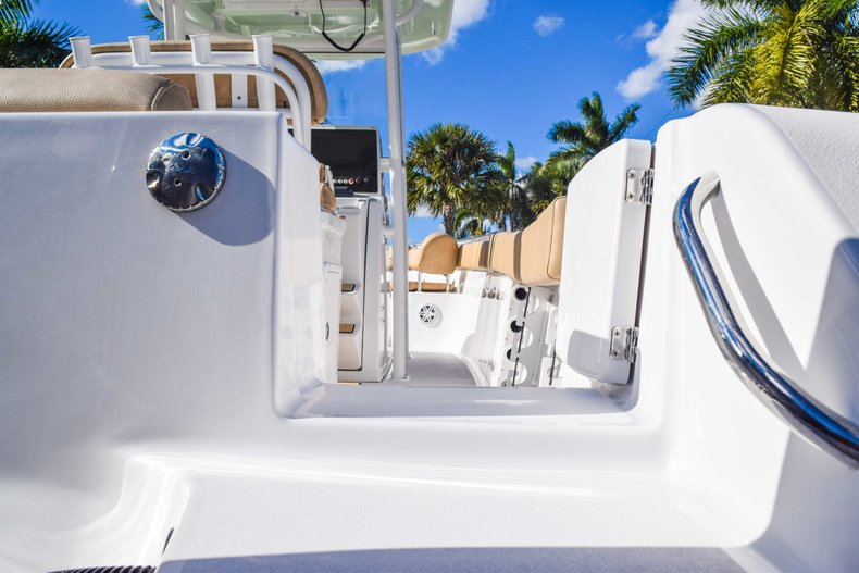 Thumbnail 11 for New 2019 Sportsman Open 252 Center Console boat for sale in Fort Lauderdale, FL