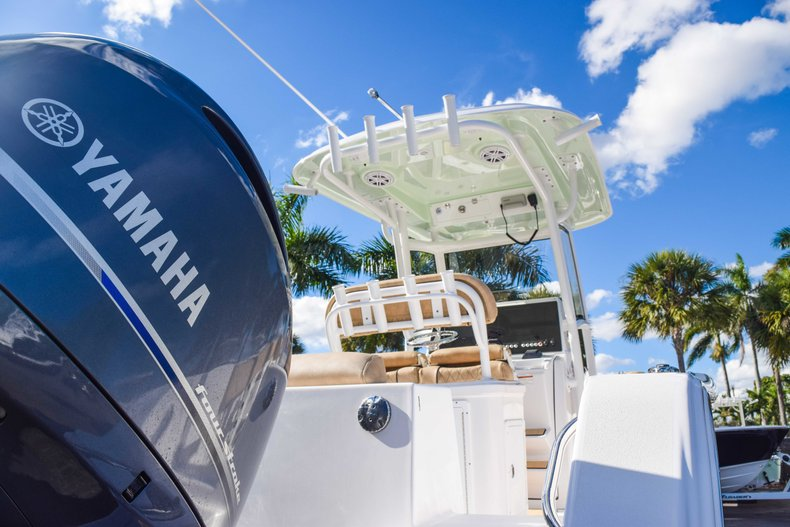 Thumbnail 10 for New 2019 Sportsman Open 252 Center Console boat for sale in Fort Lauderdale, FL