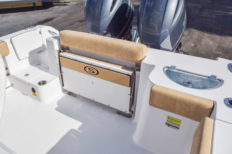 Thumbnail 15 for New 2019 Sportsman Open 252 Center Console boat for sale in Fort Lauderdale, FL