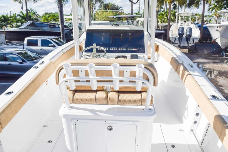 Thumbnail 14 for New 2019 Sportsman Open 252 Center Console boat for sale in Fort Lauderdale, FL