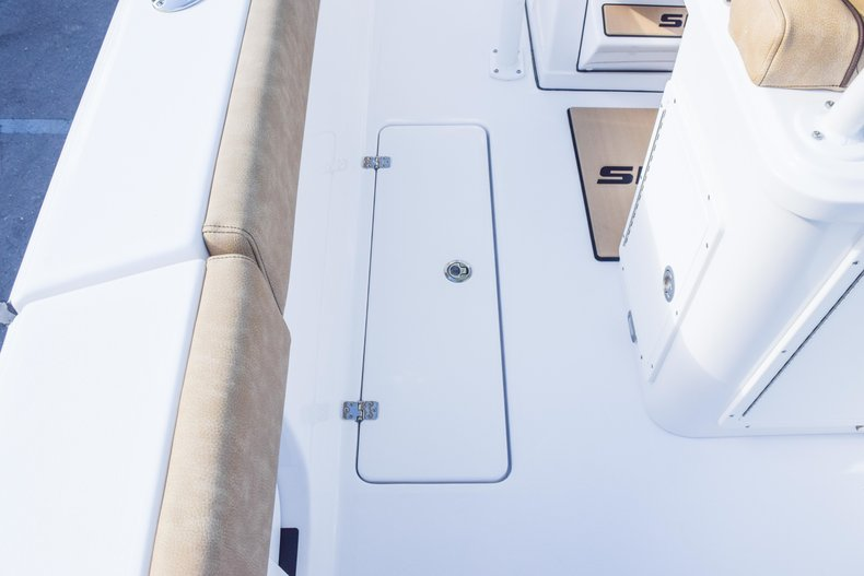 Thumbnail 25 for New 2019 Sportsman Open 252 Center Console boat for sale in Fort Lauderdale, FL
