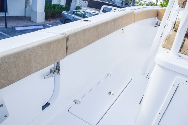 Thumbnail 32 for New 2019 Sportsman Open 252 Center Console boat for sale in Fort Lauderdale, FL