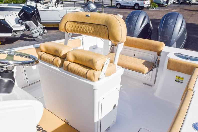 Thumbnail 37 for New 2019 Sportsman Open 252 Center Console boat for sale in Fort Lauderdale, FL