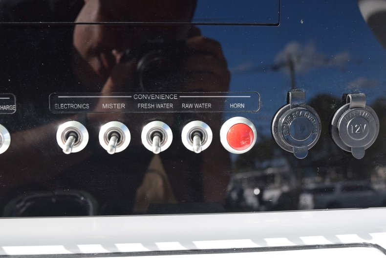 Thumbnail 45 for New 2019 Sportsman Open 252 Center Console boat for sale in Fort Lauderdale, FL