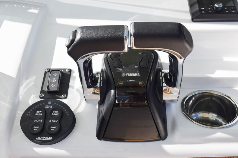 Thumbnail 53 for New 2019 Sportsman Open 252 Center Console boat for sale in Fort Lauderdale, FL