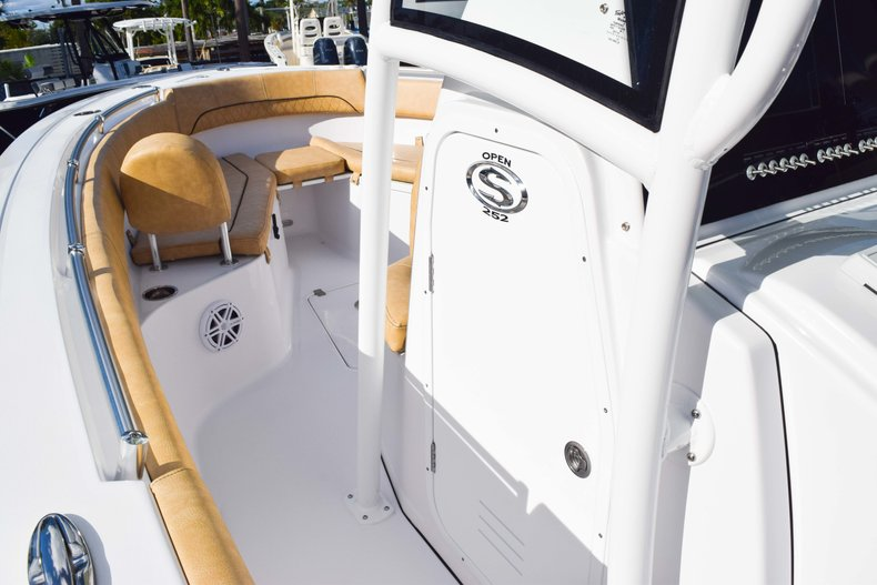 Thumbnail 56 for New 2019 Sportsman Open 252 Center Console boat for sale in Fort Lauderdale, FL