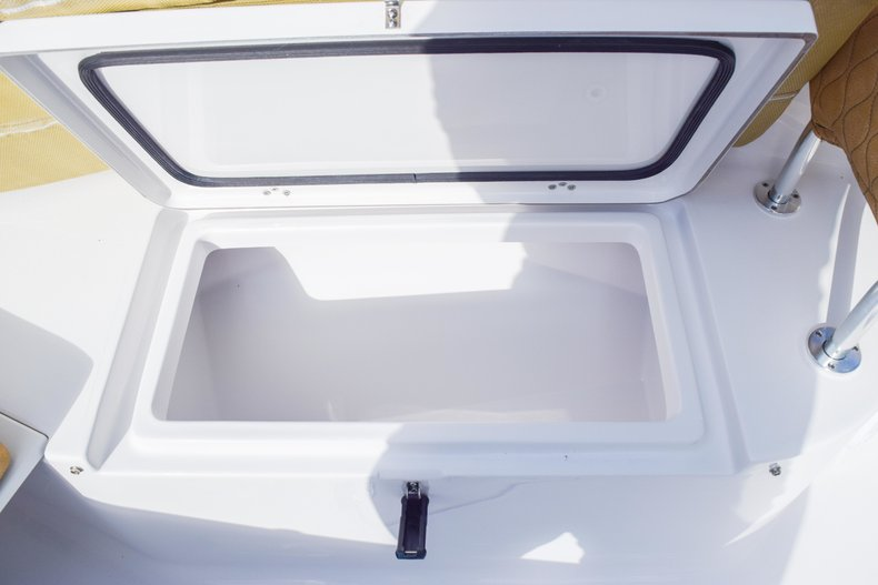 Thumbnail 69 for New 2019 Sportsman Open 252 Center Console boat for sale in West Palm Beach, FL