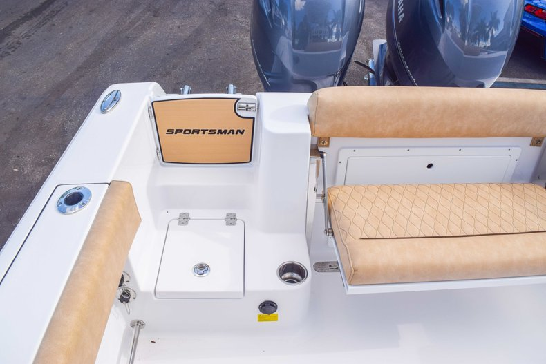 Thumbnail 82 for New 2019 Sportsman Open 252 Center Console boat for sale in Fort Lauderdale, FL