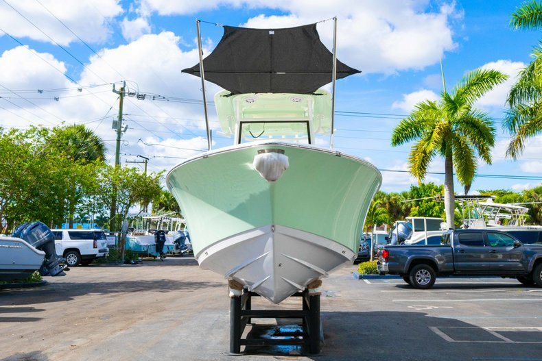 Thumbnail 3 for New 2019 Sportsman Open 252 Center Console boat for sale in Fort Lauderdale, FL