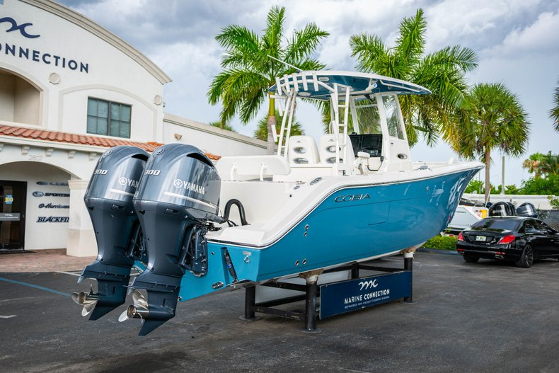 Thumbnail 7 for New 2019 Cobia 301 CC Center Console boat for sale in West Palm Beach, FL
