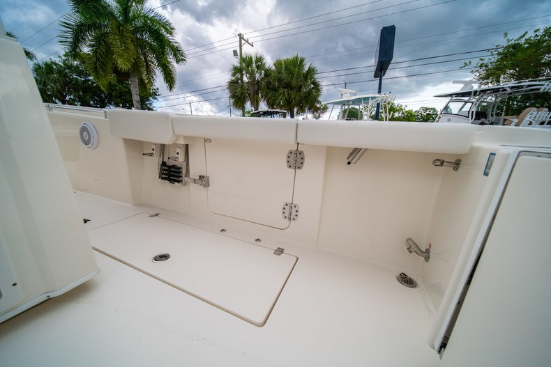 Thumbnail 16 for New 2019 Cobia 301 CC Center Console boat for sale in West Palm Beach, FL