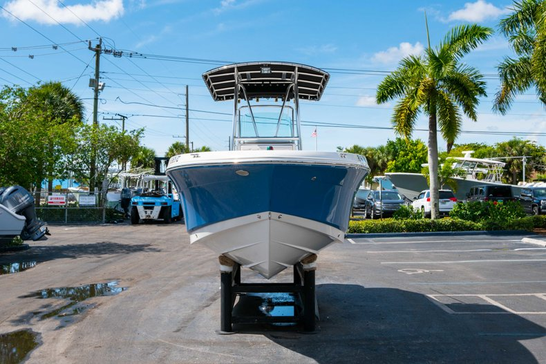 Thumbnail 2 for Used 2013 Robalo R200 Center Console boat for sale in West Palm Beach, FL
