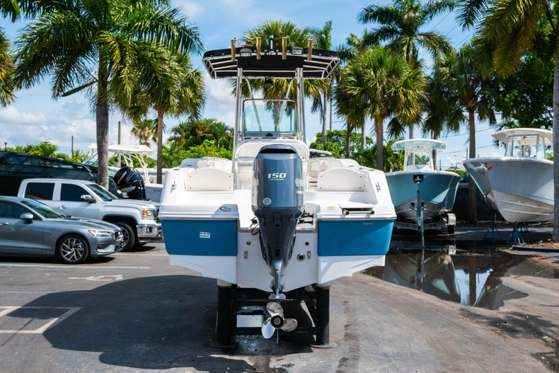 Thumbnail 6 for Used 2013 Robalo R200 Center Console boat for sale in West Palm Beach, FL