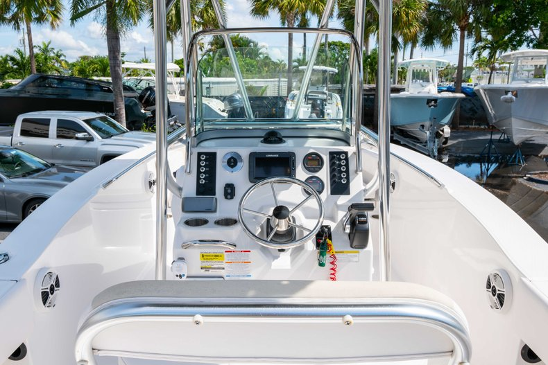 Thumbnail 8 for Used 2013 Robalo R200 Center Console boat for sale in West Palm Beach, FL