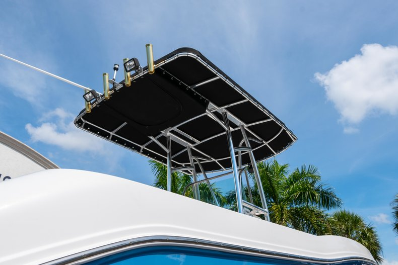 Thumbnail 7 for Used 2013 Robalo R200 Center Console boat for sale in West Palm Beach, FL