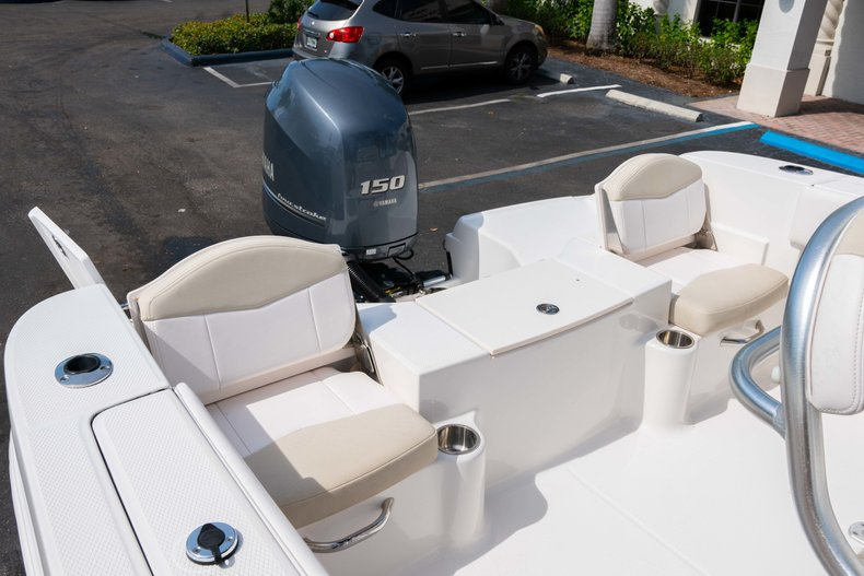 Thumbnail 9 for Used 2013 Robalo R200 Center Console boat for sale in West Palm Beach, FL