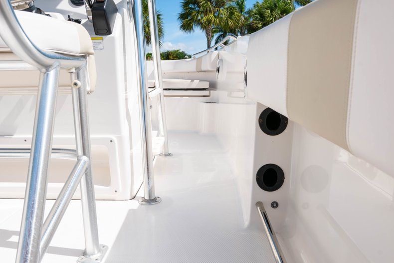Thumbnail 20 for Used 2013 Robalo R200 Center Console boat for sale in West Palm Beach, FL