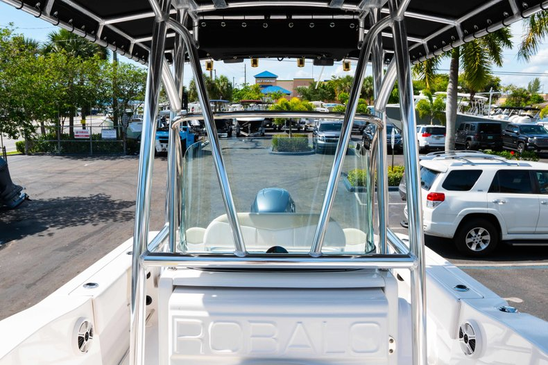Thumbnail 28 for Used 2013 Robalo R200 Center Console boat for sale in West Palm Beach, FL