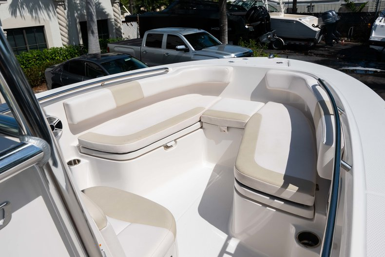 Thumbnail 29 for Used 2013 Robalo R200 Center Console boat for sale in West Palm Beach, FL