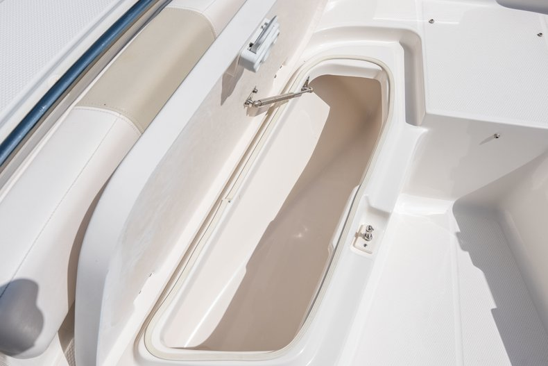 Thumbnail 36 for Used 2013 Robalo R200 Center Console boat for sale in West Palm Beach, FL