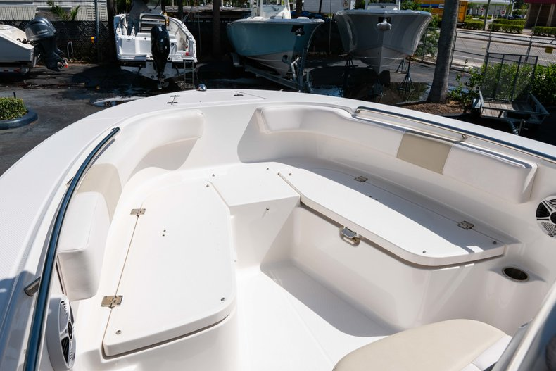 Thumbnail 33 for Used 2013 Robalo R200 Center Console boat for sale in West Palm Beach, FL