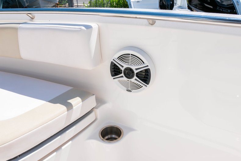Thumbnail 39 for Used 2013 Robalo R200 Center Console boat for sale in West Palm Beach, FL