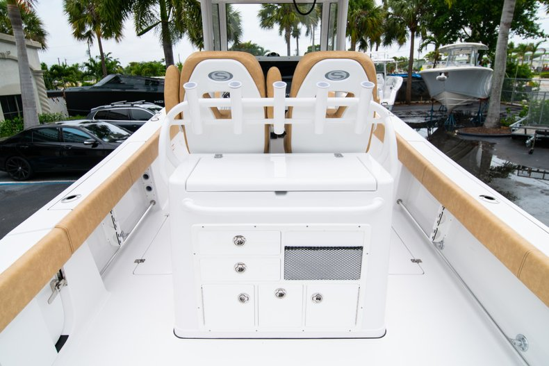 Thumbnail 9 for New 2019 Sportsman Open 282 Center Console boat for sale in West Palm Beach, FL