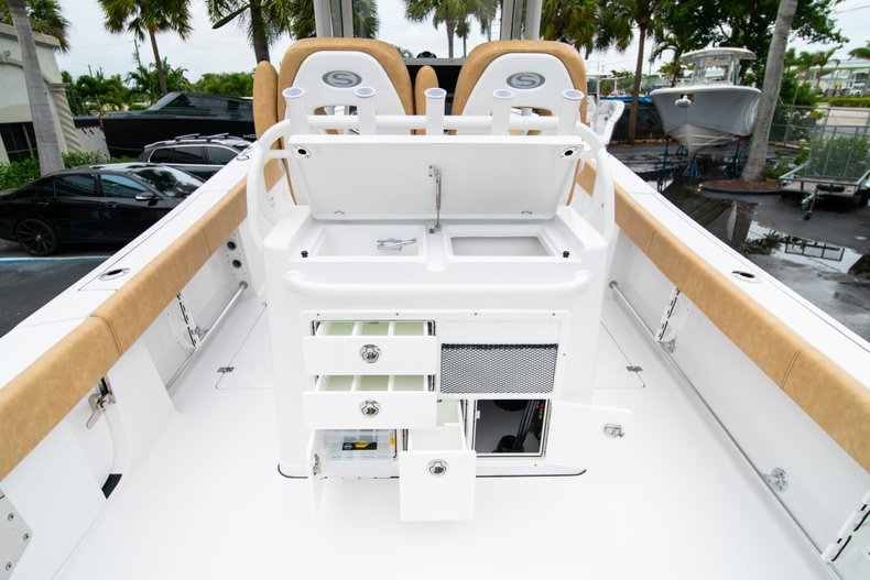 Thumbnail 10 for New 2019 Sportsman Open 282 Center Console boat for sale in West Palm Beach, FL