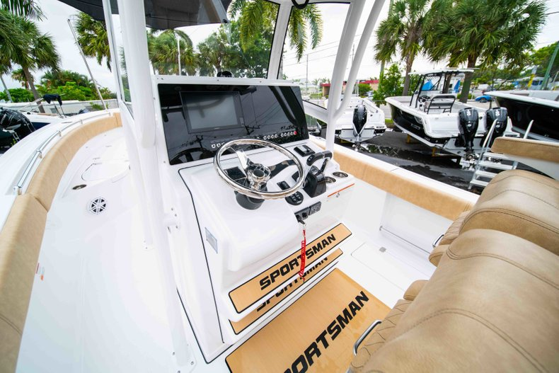 Thumbnail 25 for New 2019 Sportsman Open 282 Center Console boat for sale in West Palm Beach, FL