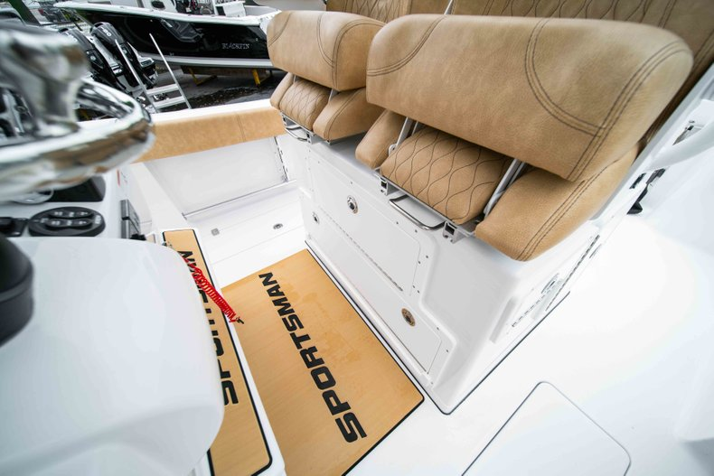 Thumbnail 28 for New 2019 Sportsman Open 282 Center Console boat for sale in Vero Beach, FL