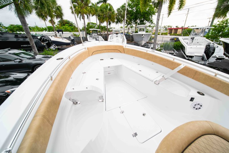 Thumbnail 37 for New 2019 Sportsman Open 282 Center Console boat for sale in Vero Beach, FL