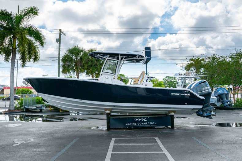 Thumbnail 4 for New 2019 Sportsman Open 282 Center Console boat for sale in West Palm Beach, FL