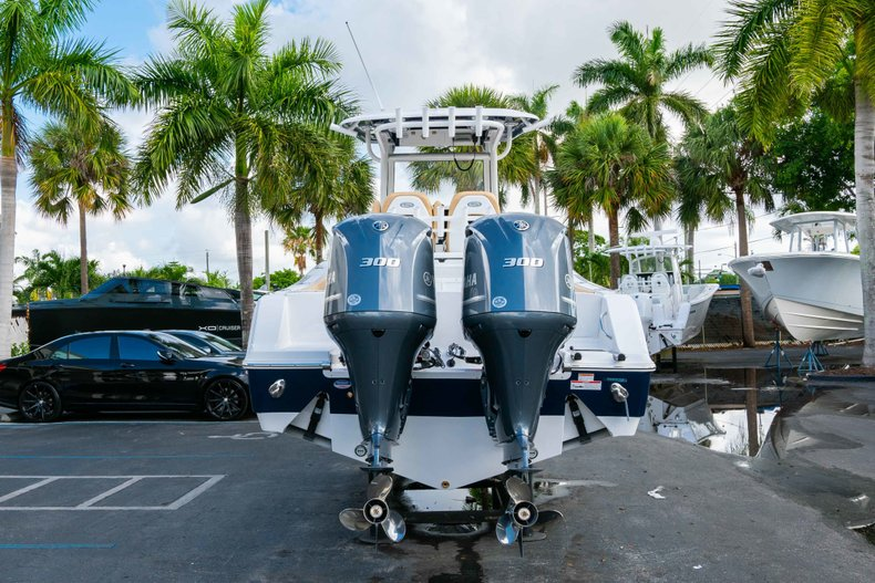 Thumbnail 6 for New 2019 Sportsman Open 282 Center Console boat for sale in West Palm Beach, FL