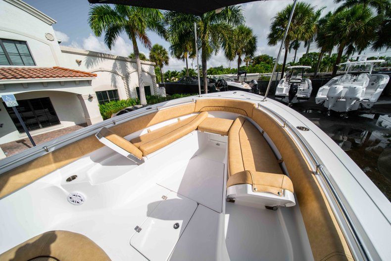 Thumbnail 35 for New 2019 Sportsman Open 282 Center Console boat for sale in Vero Beach, FL