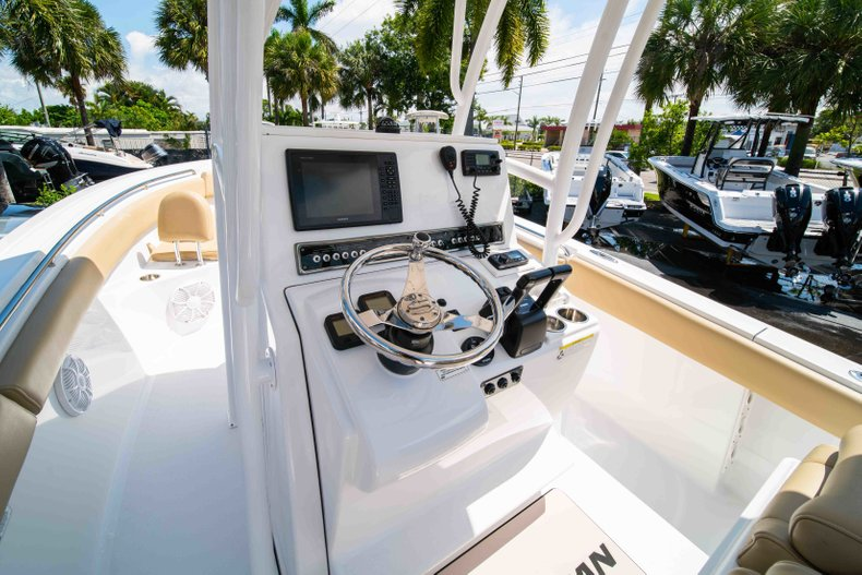 Thumbnail 27 for Used 2014 Sportsman Heritage 251 Center Console boat for sale in West Palm Beach, FL