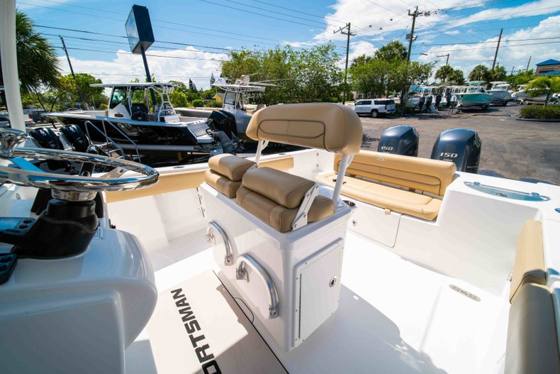 Thumbnail 31 for Used 2014 Sportsman Heritage 251 Center Console boat for sale in West Palm Beach, FL