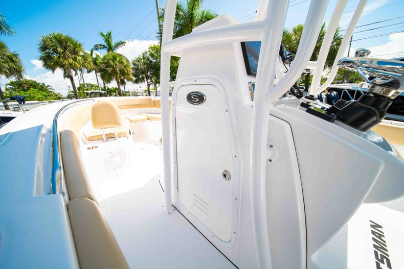 Thumbnail 39 for Used 2014 Sportsman Heritage 251 Center Console boat for sale in West Palm Beach, FL