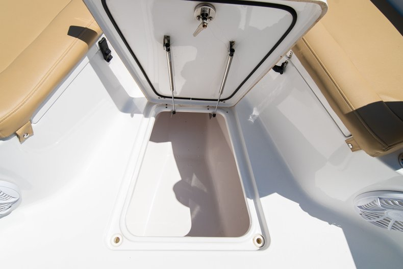 Thumbnail 46 for Used 2014 Sportsman Heritage 251 Center Console boat for sale in West Palm Beach, FL
