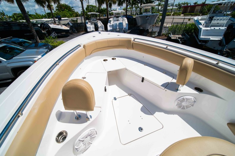 Thumbnail 44 for Used 2014 Sportsman Heritage 251 Center Console boat for sale in West Palm Beach, FL