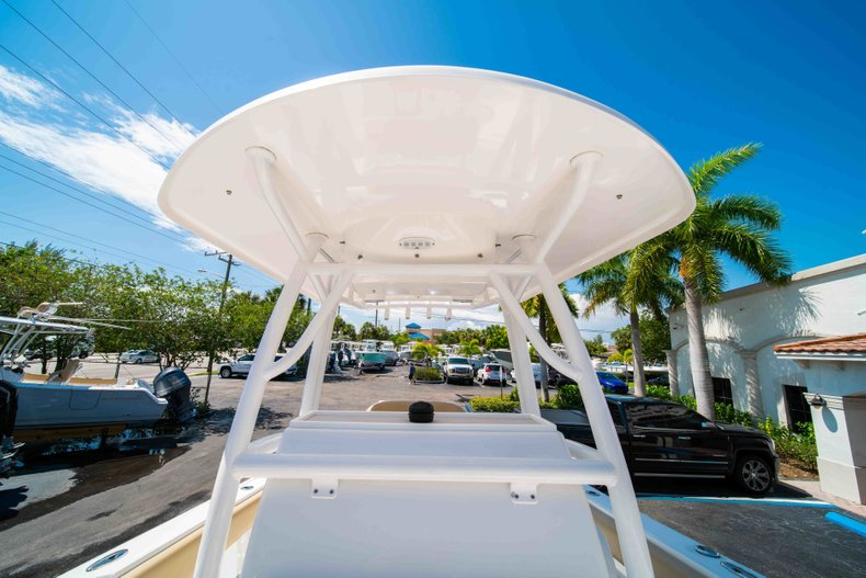 Thumbnail 53 for Used 2014 Sportsman Heritage 251 Center Console boat for sale in West Palm Beach, FL
