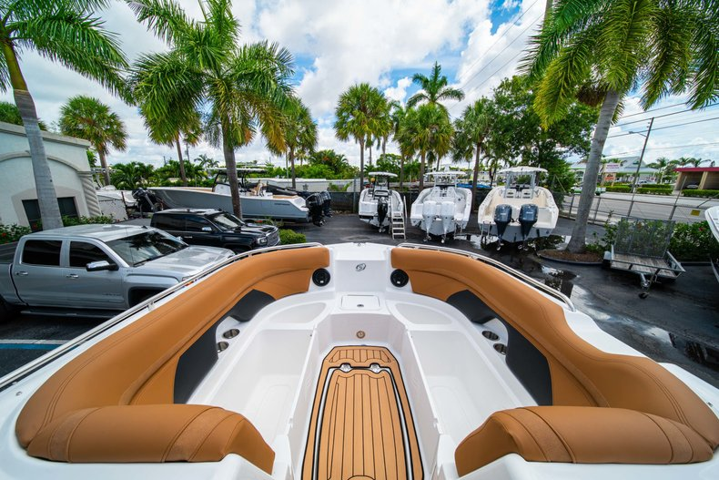 Thumbnail 30 for New 2019 Hurricane SunDeck SD 2400 OB boat for sale in West Palm Beach, FL