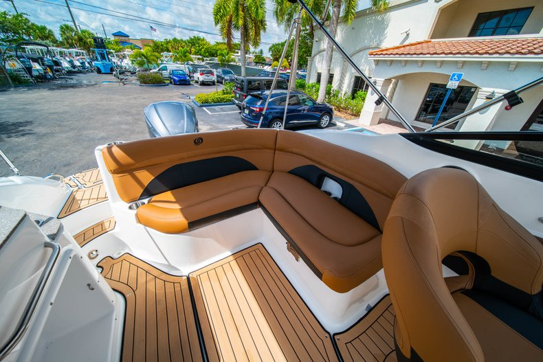 Thumbnail 11 for New 2019 Hurricane SunDeck SD 2400 OB boat for sale in West Palm Beach, FL
