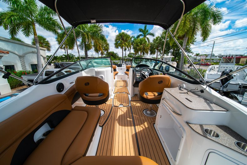 Thumbnail 8 for New 2019 Hurricane SunDeck SD 2400 OB boat for sale in West Palm Beach, FL