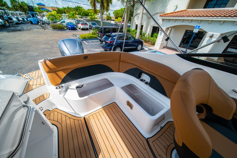Thumbnail 12 for New 2019 Hurricane SunDeck SD 2400 OB boat for sale in West Palm Beach, FL