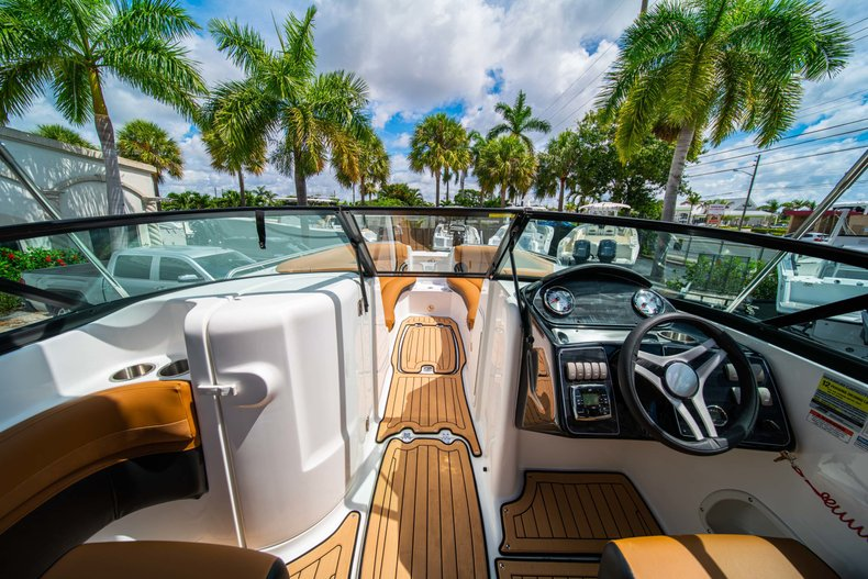 Thumbnail 23 for New 2019 Hurricane SunDeck SD 2400 OB boat for sale in West Palm Beach, FL
