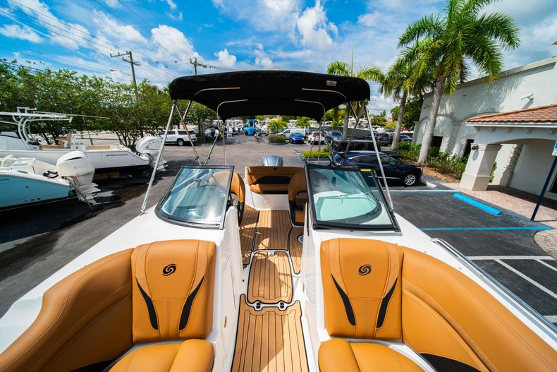 Thumbnail 37 for New 2019 Hurricane SunDeck SD 2400 OB boat for sale in West Palm Beach, FL